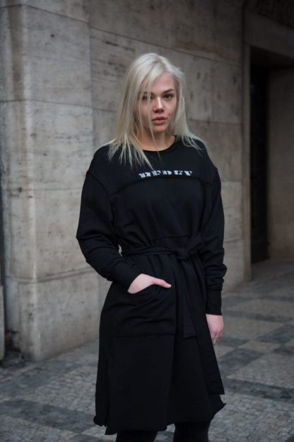 Černé mikinové šaty s dlouhým rukávem, Pavel Berky