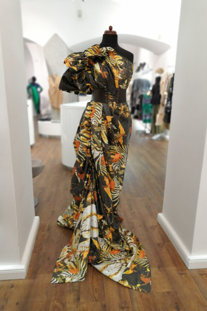 Pavel Berky - společenské šaty šité na míru